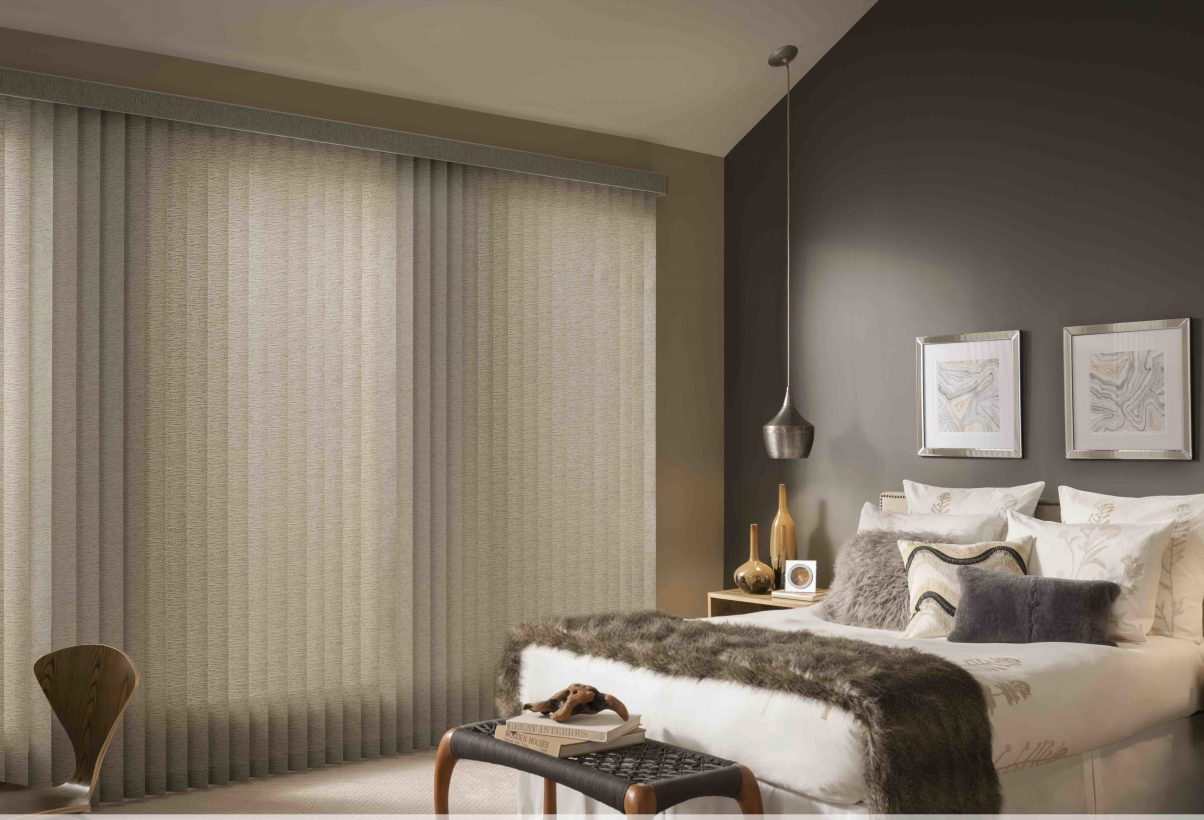 VERTICAL BLINDS W_WAND - BEDROOM